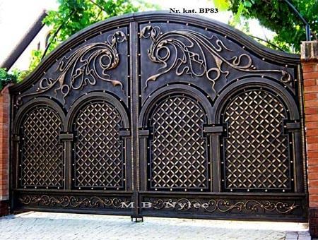 An elegant forged full gate