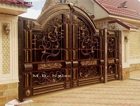 An exclusive gate to the residence