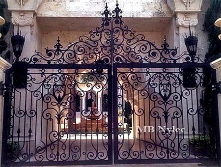 Antique style forged gate