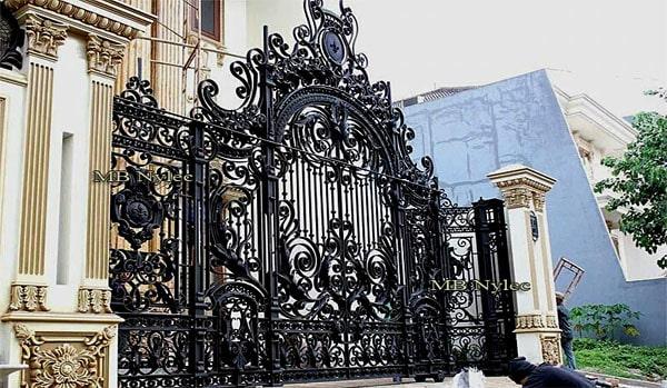 Baroque gate set