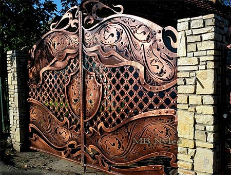 Blacksmith's half-full gate