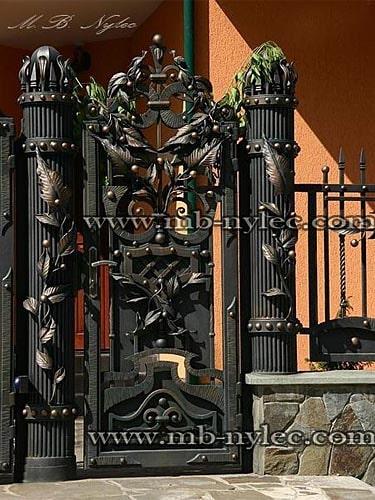 Blacksmith's wicket with decorative poles