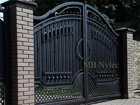 Classic forged gate