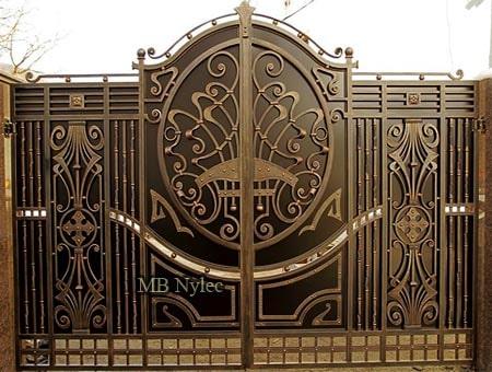 Decorative full gate