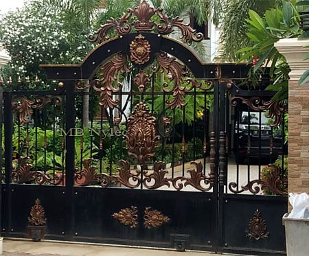 Entrance gate to the property in oriental style