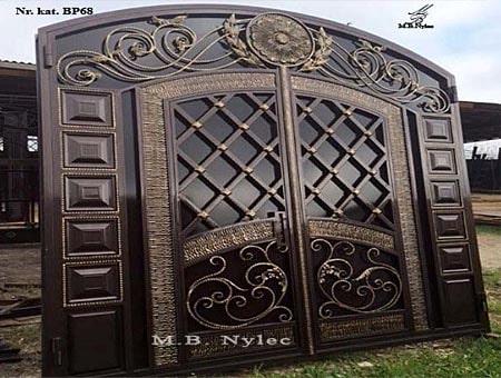 Exclusive entrance gate