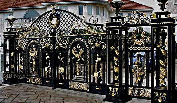 Exclusive forged setwith openwork columns