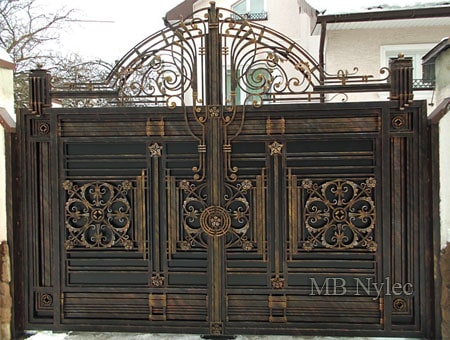 Exclusive full entrance gate