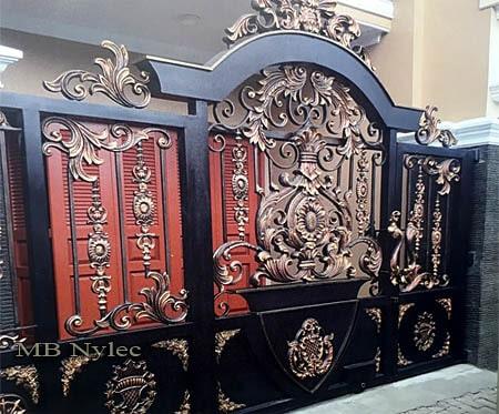 Exclusive oriental openwork sliding gate