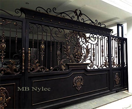 Exclusive oriental style sliding gate