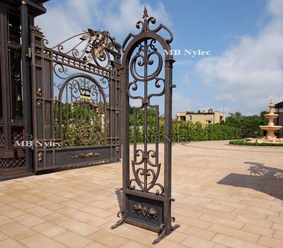 Forged elegant fence pillar