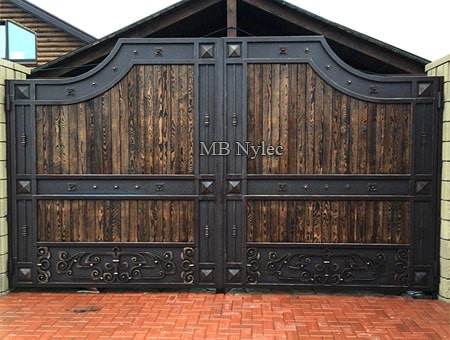 Forged gate with wood