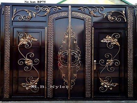 Full entrance gate