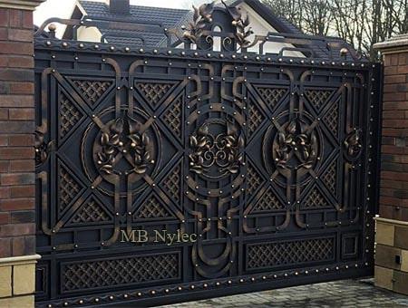 Full gate with lattice