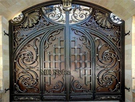 Unique forged gates