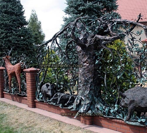 Forged hunting style fence with animals