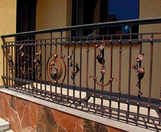 Light outer railing