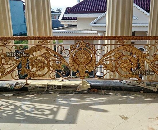 Oriental style balcony railing