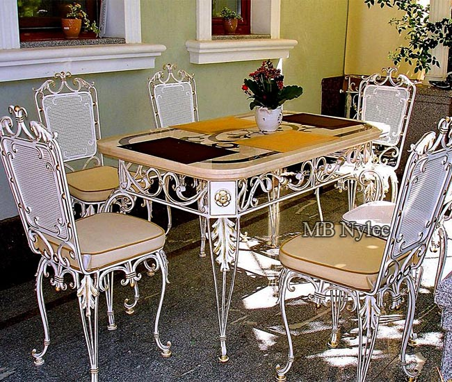 An elegant set of wrought furniture