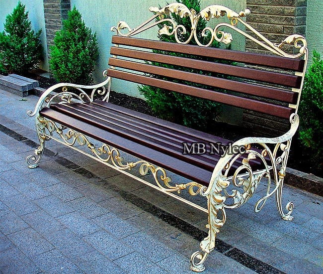 Forged bench in ecru colors