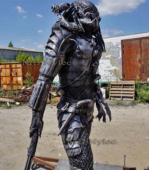 Predator - 220cm steel figure