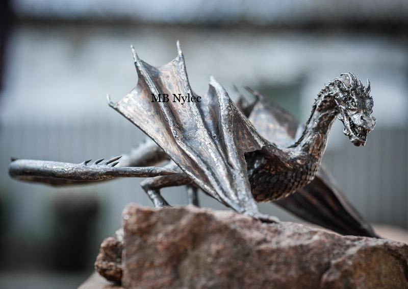 Smaug - dragon from the Hobbit trilogy. Realistic sculpture made of 50cm 5kg stainless steel
