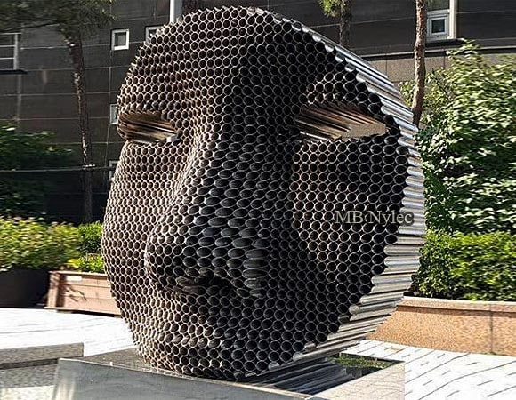 Statues, monuments made of metal