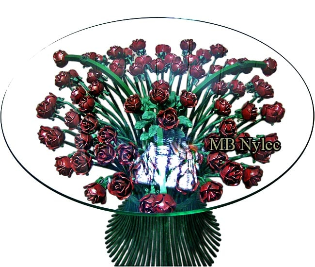 Exclusive table - 70 forged roses
