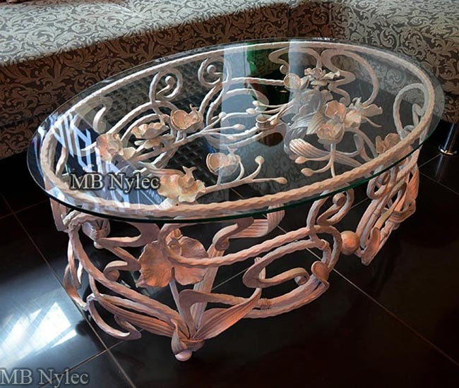 Forged coffee table - glamor style