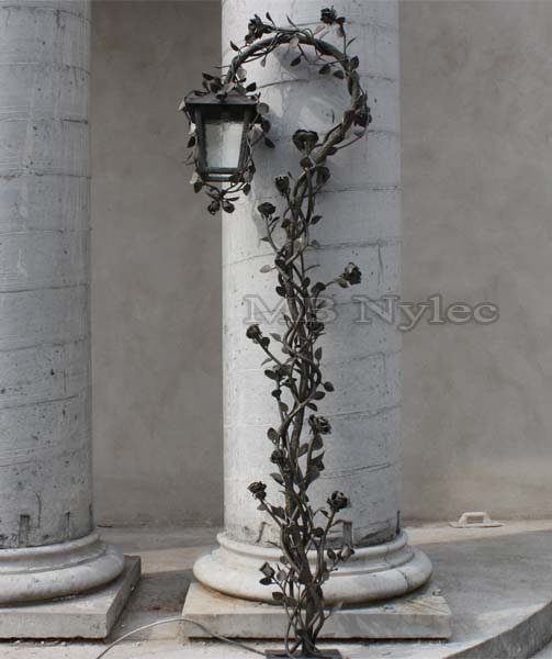 Forged rose lamp