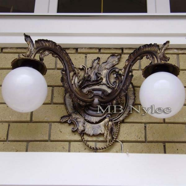 Hand-forged wall lamp