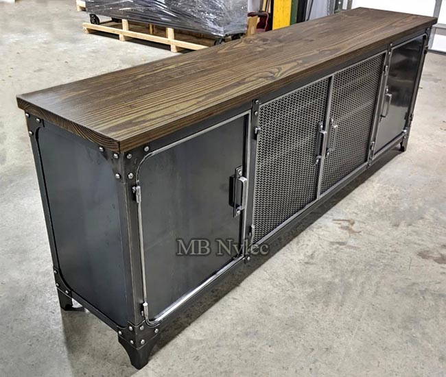 Industrial commode