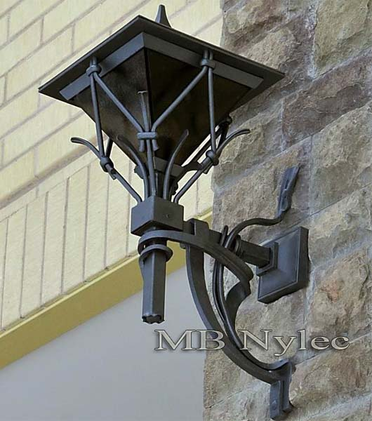 Modern wrought iron wall lamp