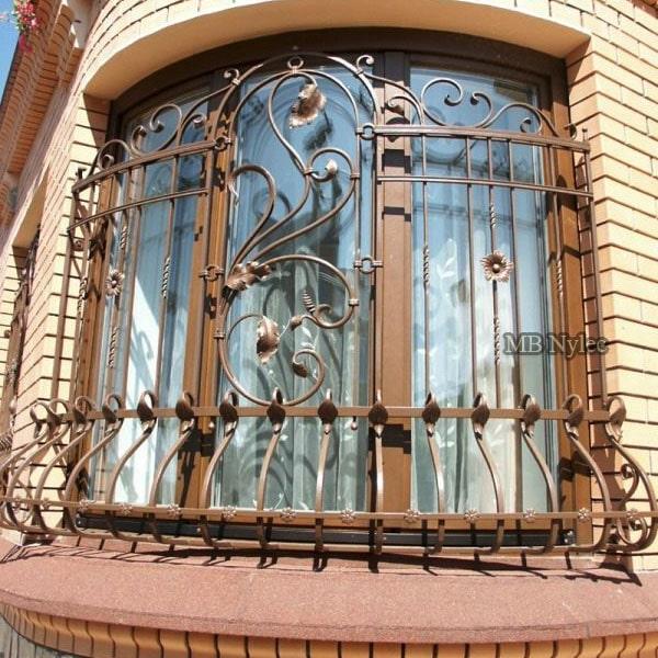 Bent steel window grating