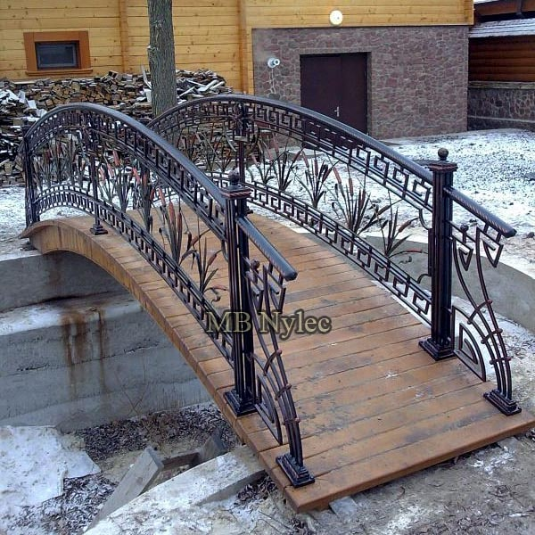 Steel bridge in the Greek style